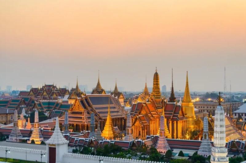Bangkok Centre Hotel : The Grand Palace